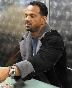Andre Reed Autographs USS Ronald Reagan le 20 Mars, 2009.jpg