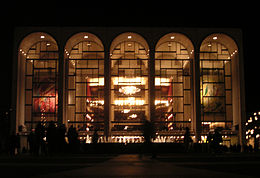 Metropolitan Opera House à Lincoln center.jpg