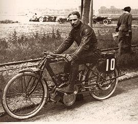Histoire de la moto. 270px-Peugeot_DOHC_1913