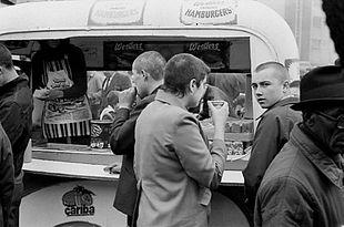 Skinhead Mouvement Histoire Origines 60 Ans Developpement