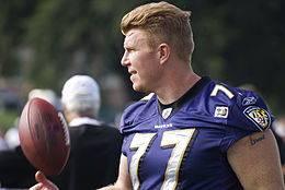 Matt Birk Ravens Training Camp 5 Août, 2009.jpg